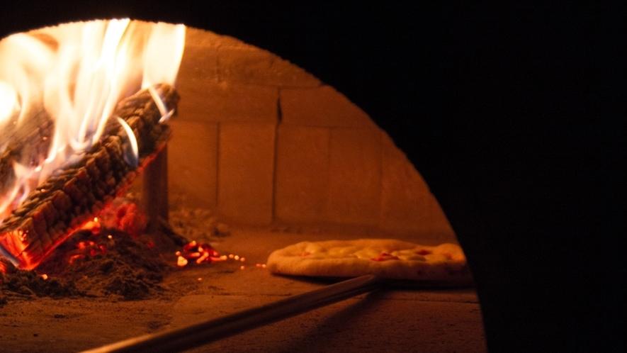 *窯焼きの本格ピザを出す職人として美味しさを追求!