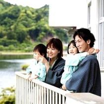 ■お部屋のベランダからは亀山湖が一望いただけ、自然を間近に感じていただけます。