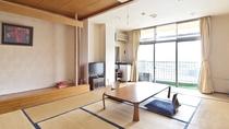 落ち着いた雰囲気の和室10畳+広縁