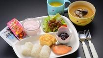 【地元食材満載/朝食】お子様ミニプレートの方のご朝食です。※イメージ