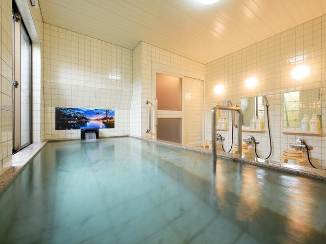 清潔な男性大浴場