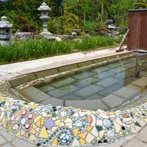 *【露天風呂一例】ガウディをイメージした露天風呂からの星空は最高