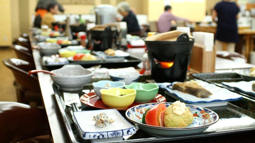 *【ご夕食一例】地場地産の食材を使用した当館オリジナルの和食膳