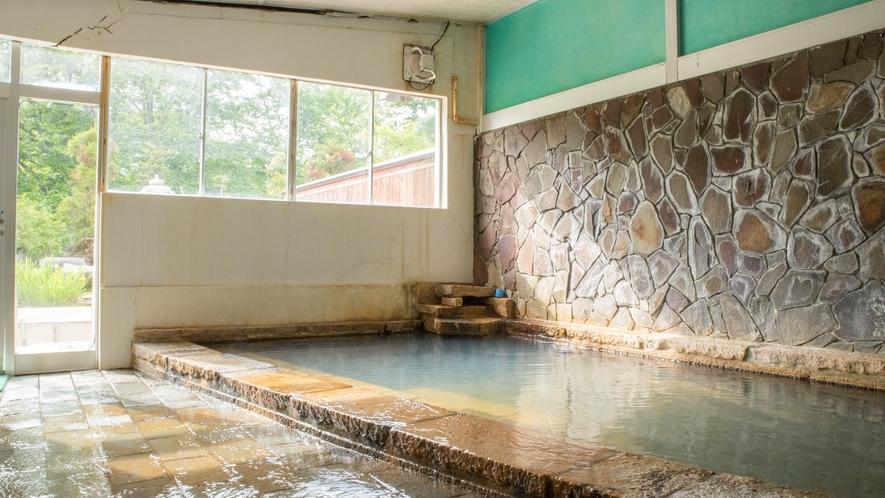 *【内風呂/女湯一例】柔らかく、しっとりと肌になじむ湯ざわりが女性にも好評です
