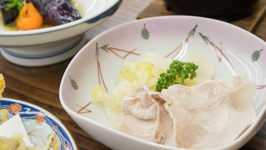 *【ご夕食一例】ご当地豚「八幡平ポーク」をさっぱりと味わって下さい