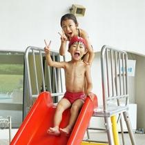 【屋内プール(金・土・日)】冬でも利用可能な温水プール!雨や雪が降っても気にせず遊べますよ♪