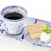 【ランチ】好月の柱状節理バウムセット<本館2F:喫茶店ポールスター(通年/不定休)>