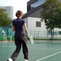 【テニスコート】全13面のオールウェザーコート!大自然の中のテニスをお楽しみください。