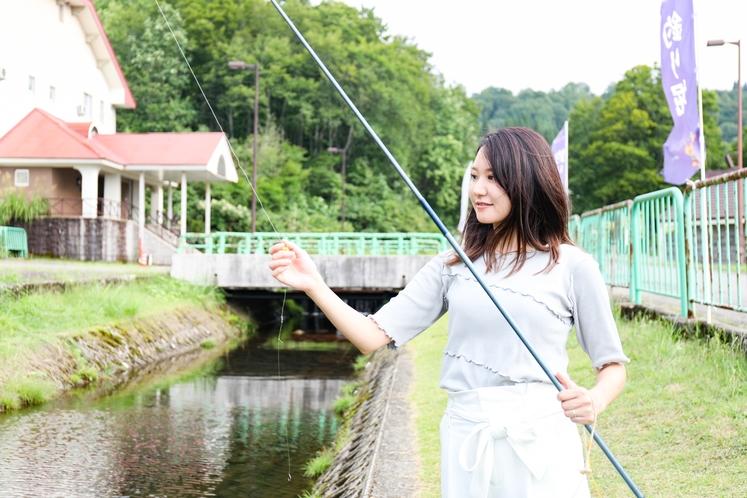 【釣り堀】初めての方も大歓迎!ニジマス、山女、岩魚が獲れ、釣った魚は持ち帰る事ができます。