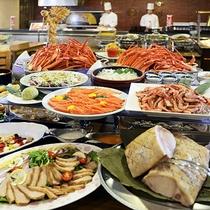 <バイキング>ローストビーフ、刺身、蕎麦ほか、約50種類の和洋中バイキング。