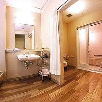 *【≪本館≫バリアフリー浴室・トイレ付(3F)】完全バリアフリーのため、安心してご利用いただけます。