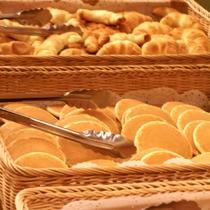 【朝食】<バイキング>数種類のパンから、お好きなものをお好きなだけ♪