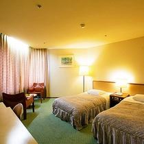 【≪本館≫洋室ツイン(26平米)】全室ゲレンデビュー!6~8階の高層階にあるお部屋です。