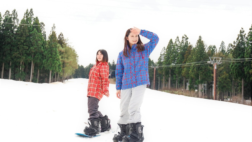 【ニュー・グリーンピア津南スキー場】ホテル目の前!広々としたゲレンデでお楽しみ下さい。