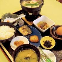 *【朝食一例】起きたての身体でも食べやすい和朝食をご用意致します♪