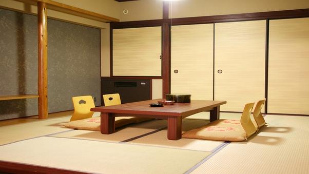 和洋室<8畳+ツインベッド>