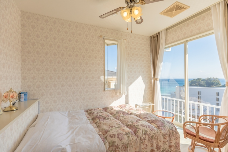 海の見える可愛いお部屋セミダブルルーム