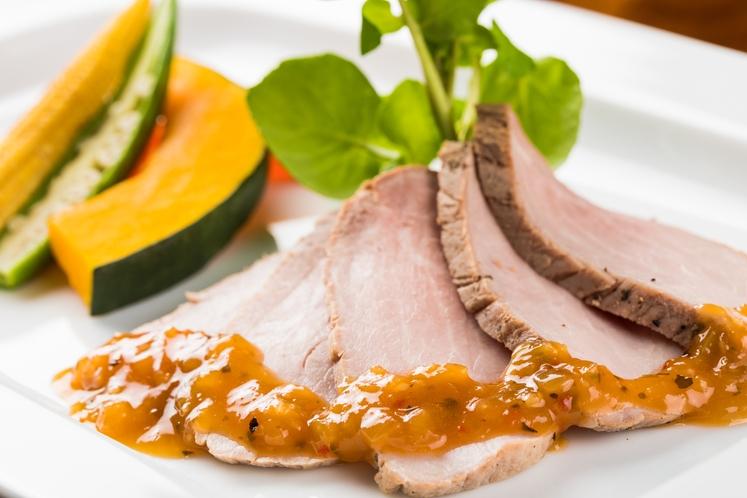 欧風創作コースの夕食一例 ~肉料理~