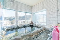 女性に人気の「超軟水」の風呂