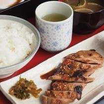 ■日替わり朝食(水曜日)■若鶏の照り焼き定食