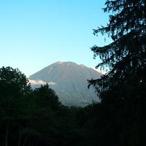 【周辺風景】 夏の羊蹄山