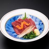 ★松本の名物料理「馬刺し」のご用意もございます!