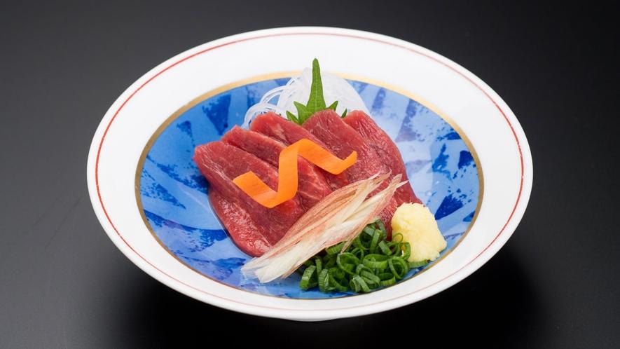 松本の名物料理「馬刺し」のご用意もございます!