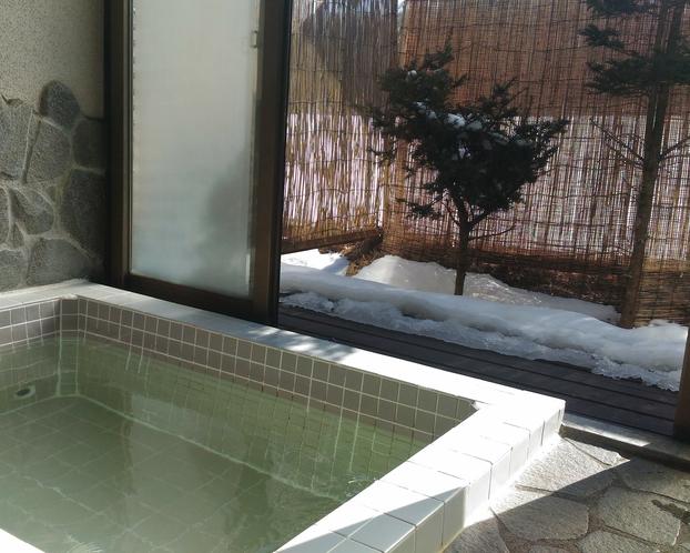 冬の露天風外風呂