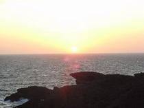 石廊崎灯台付近の夕日