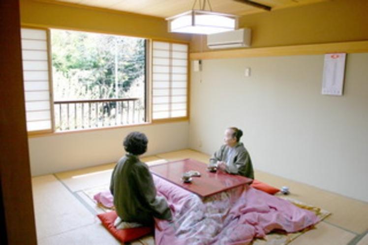 緑豊な和室10畳