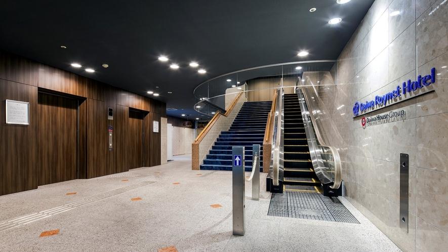 階段エスカレーター2_R.jpg