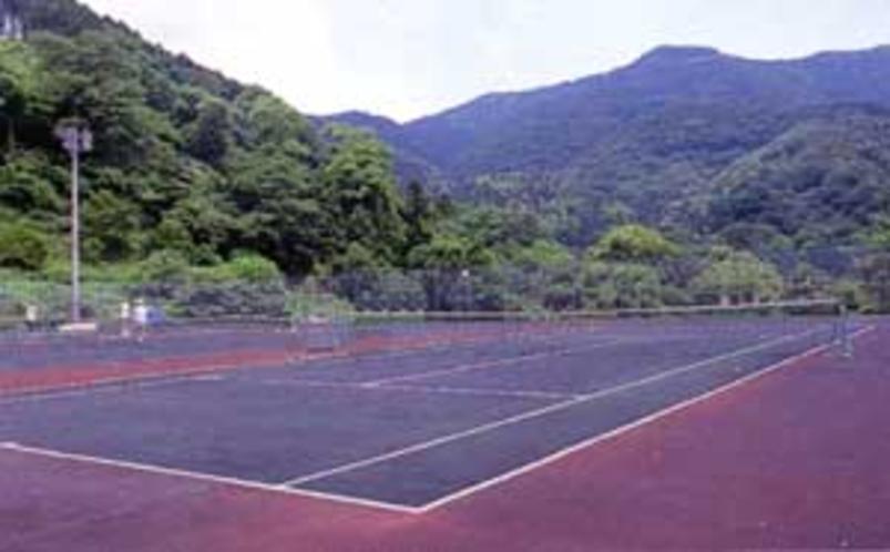 寿荘直営 テニスコート