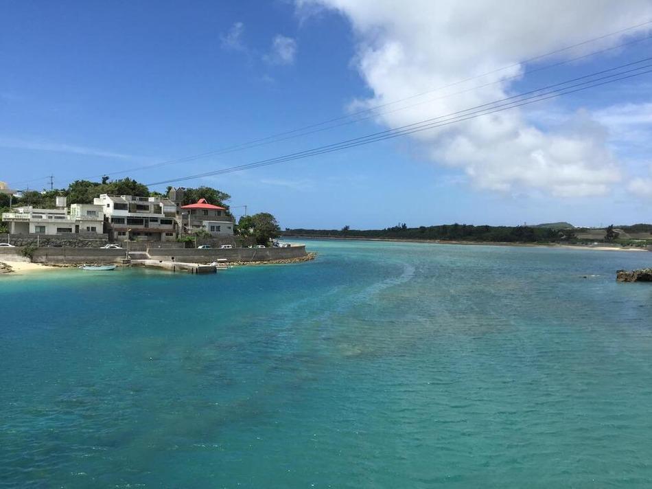 島へ入る橋の右側の景色