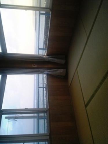 客室一例(雨天、曇り時)建物も古いし景色もきれいな日だけではありません(お詫び)