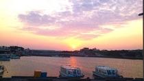 島の入り口夕陽