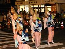 うだつの町並みの優雅な女踊り