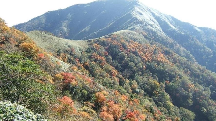 *秋のつるぎ山