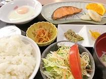 特別朝食 800円