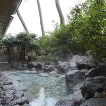 1F露天風呂「華の湯・渚の湯」