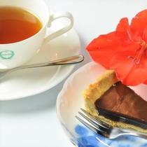 【夕食・朝食】夜も朝も満足 自家製デザート&コーヒー または紅茶、ハーブティー