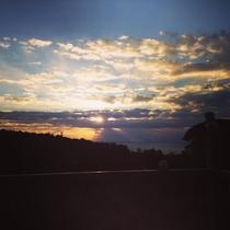 【風景】朝焼けのテラス 薄明光線 天使の梯子 雲の壮大なショー