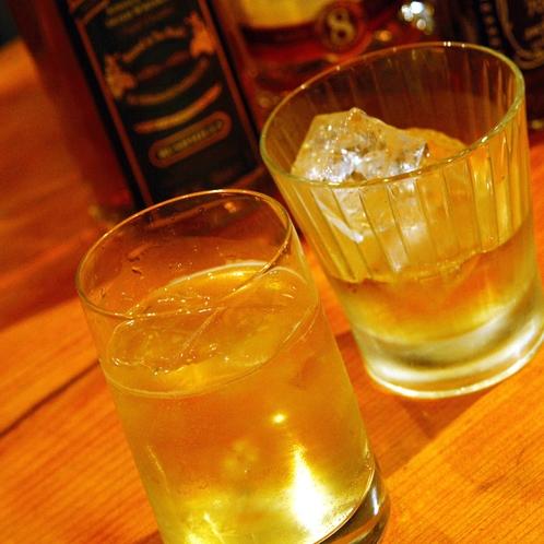 【夕食・ドリンク】『スピークイージー』は『隠れ酒場』 お食事と一緒に様々なお酒も楽しんで