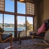 ◆二間客室〜Aタイプ・窓辺
