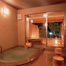 ◆貸切風呂 『桃の香』〜露天と内風呂