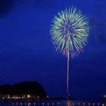 【夏】小湊花火・例年8月頃~当館ではお部屋からでもご覧頂けます