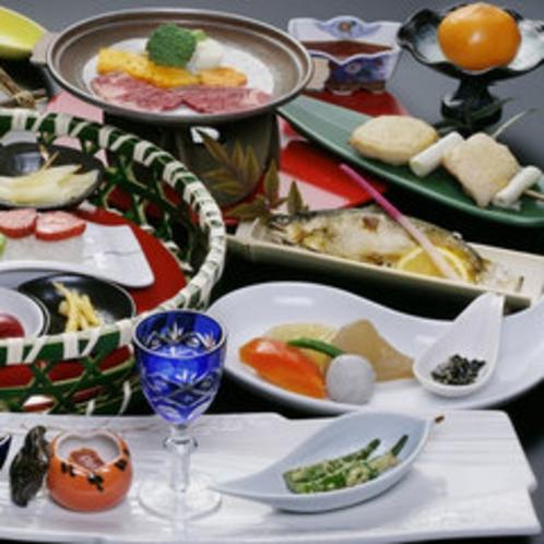 【お料理一例】自家農園の恵みや川の幸をふんだんに使用した懐石膳です。