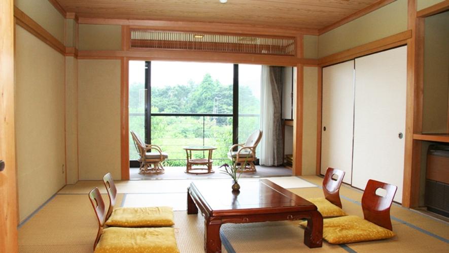 *【和室12畳】里山の大自然を一望できるゆったりとしたお部屋です。