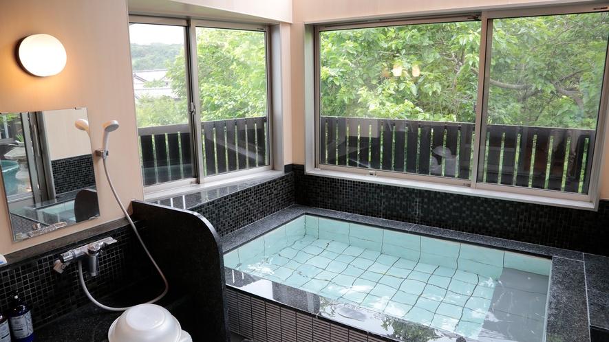*【貸切風呂】展望風呂と露天風呂。美しい景色を眺めながらお楽しみください。(1回50分、要予約)