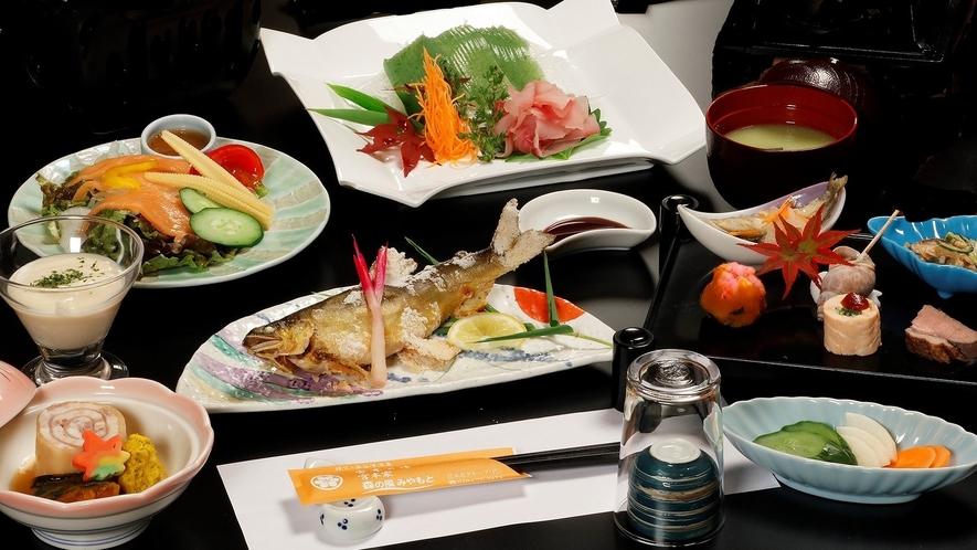 *【小学生夕食メニュー一例】大人に準ずる料理を少なめにご提供。お子様ランチに変更可能です(前日まで)