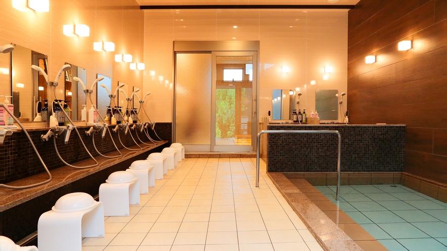 *【大浴場】土俵露天風呂併設の内湯。源泉は「般若の湯」良質なアルカリ性の温泉です。